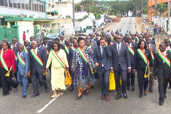 DEPUTES IVOIRIENS MARCHENT POUR LA FRANCE