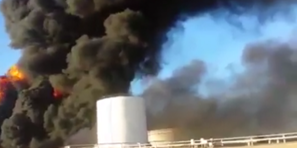LIBYE PETROLE FLAMME