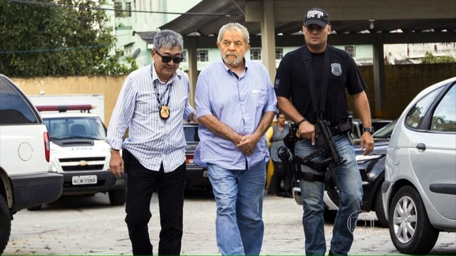 https://lemondealenversblog.files.wordpress.com/2016/03/lula-ex-president-aux-arrc3aat.jpg